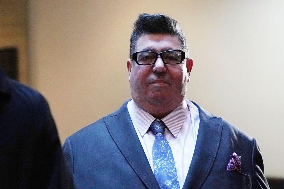 Say what you will about Rob Goldstone, but he was great in those Wallace &amp; Gromit films <br>http://pic.twitter.com/Ep15GM30Q7