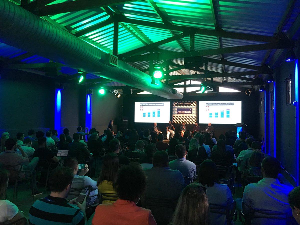 """Oi2 Media Response presente na Conferência Mobile 2018!  """"Pense em aplicações e não em aplicativos. O que realmente importa hoje é a qualidade da experiência que você vai proporcionar ao seu cliente."""" #digitalks2018 https://t.co/8LRr2JMyeD"""