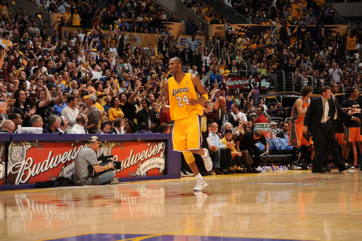 #OTD in the 2010 #NBAPlayoffs, Kobe Bryant helps the @Lakers gain a 2-0 series edge in the Western Conference Finals!  In Game 2 vs. Phoenix, Kobe would go for 21 PTS, 5 REB, 13 AST & 1 BLK - 47.5 #NBAFantasy points! #FantasyFlashback