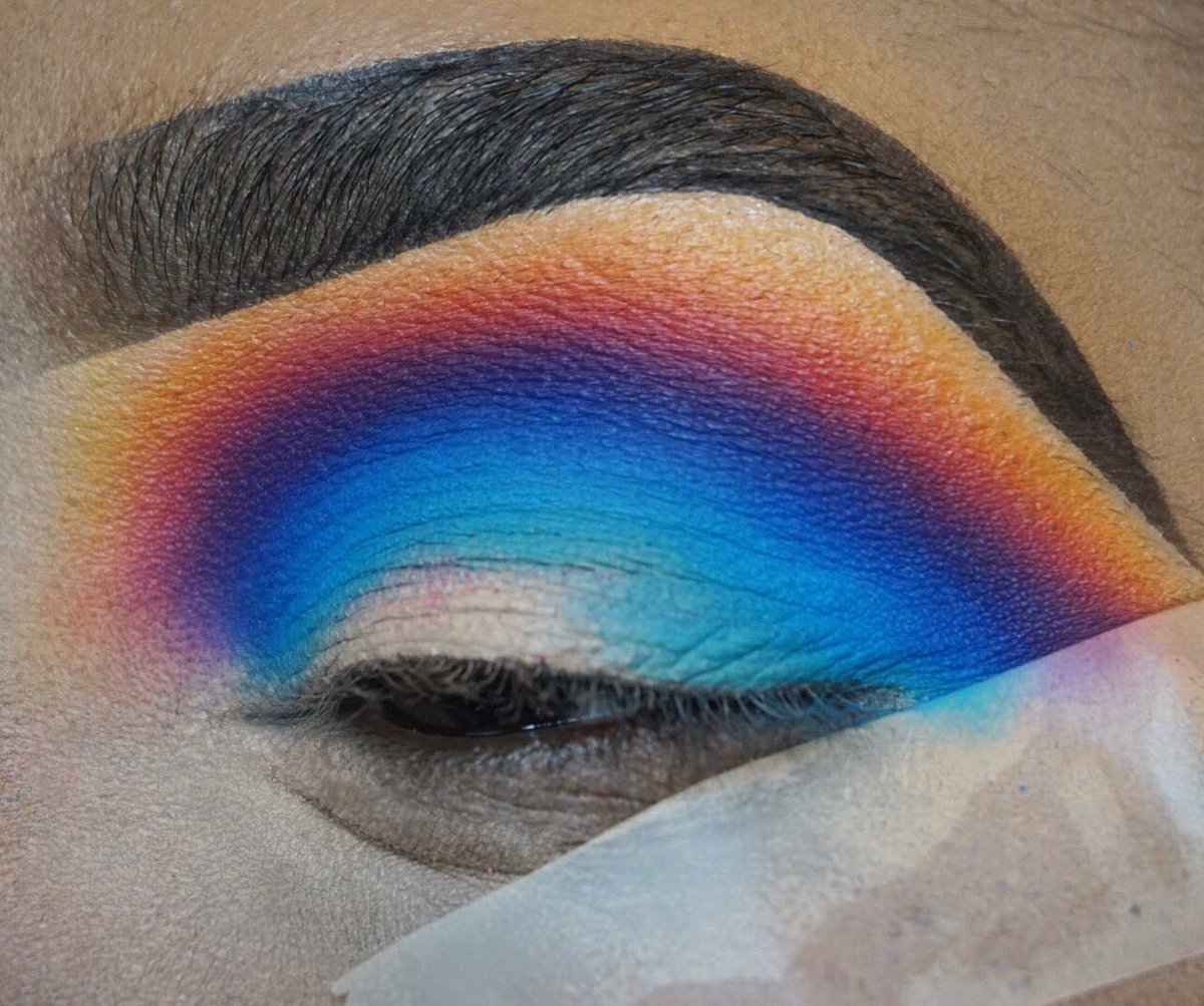 Blend game strong 💪🏾🙌🏾  @MorpheBrushes 35B palette  @ColourPopCo black 'n Brown brow pencil