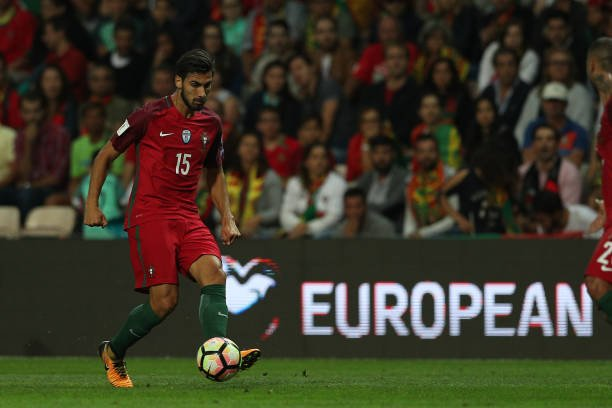 📌 Alguns nomes chamam a atenção pela ausência, como Semedo e André Gomes (Barcelona), Cancelo (Internazionale) e Ruben Neves (Wolverhampton), além do autor do gol do título da Eurocopa 2016 Éder (Lokomotiv).