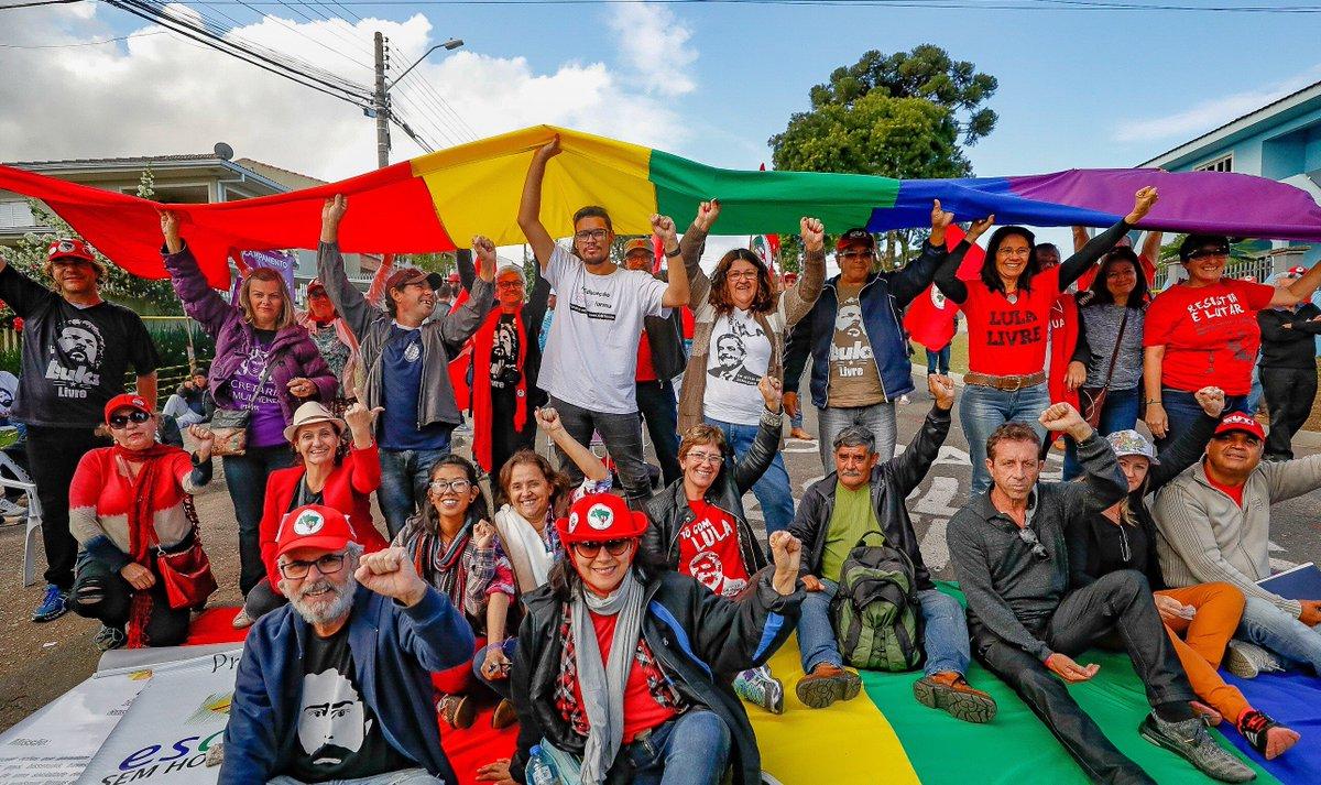 Dia Internacional contra a LGBTfobia na Vigília Lula Livre, em Curitiba. Fotos: Ricardo Stuckert