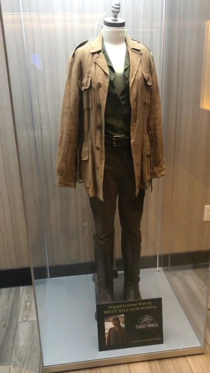 Jurassic World Claire Outfit