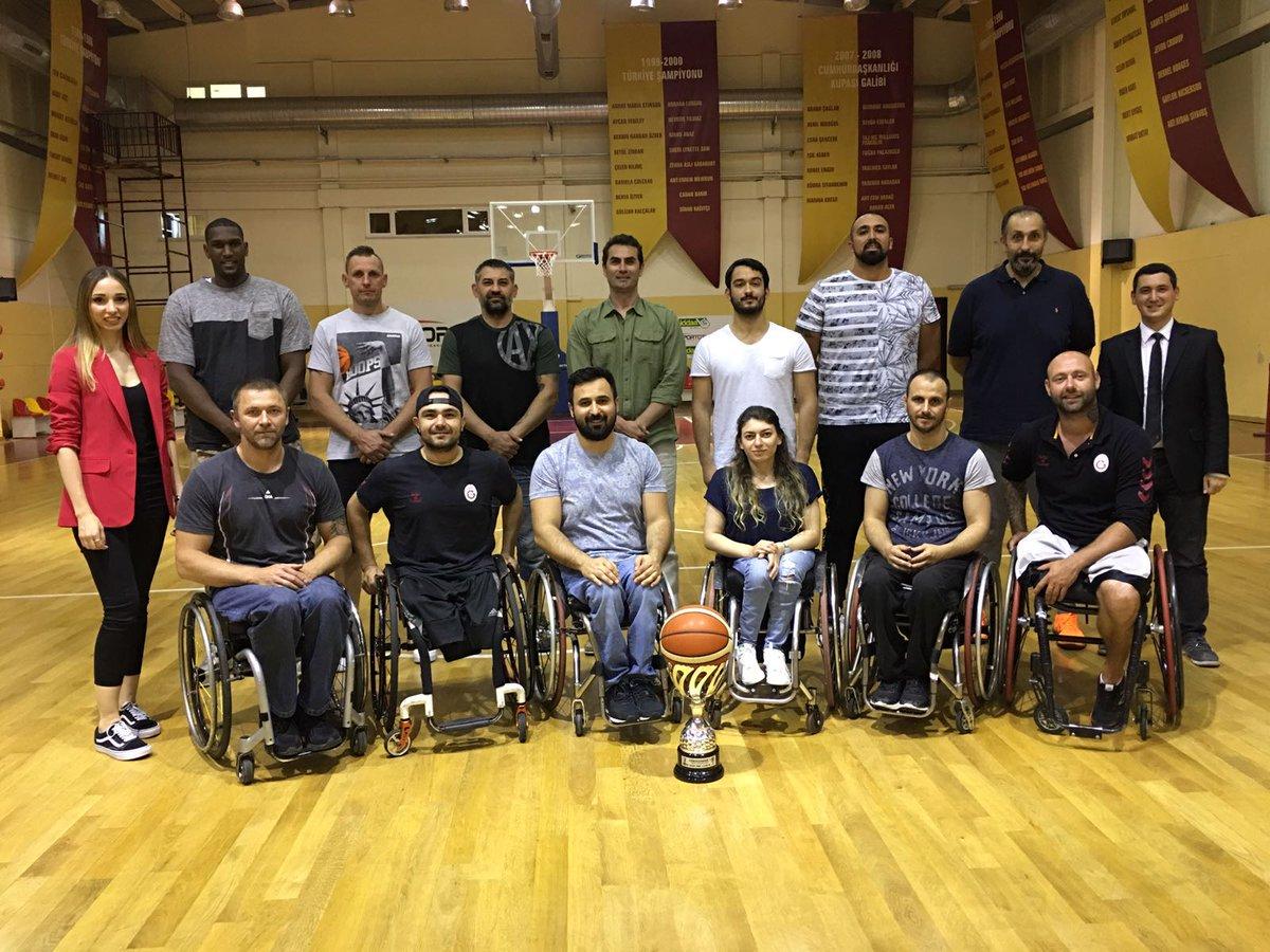 """Engelsiz Aslanlar """"Söz Şampiyonlarda"""" programının konuğu oldu 👉galatasaray.org/haber/basketbo…"""