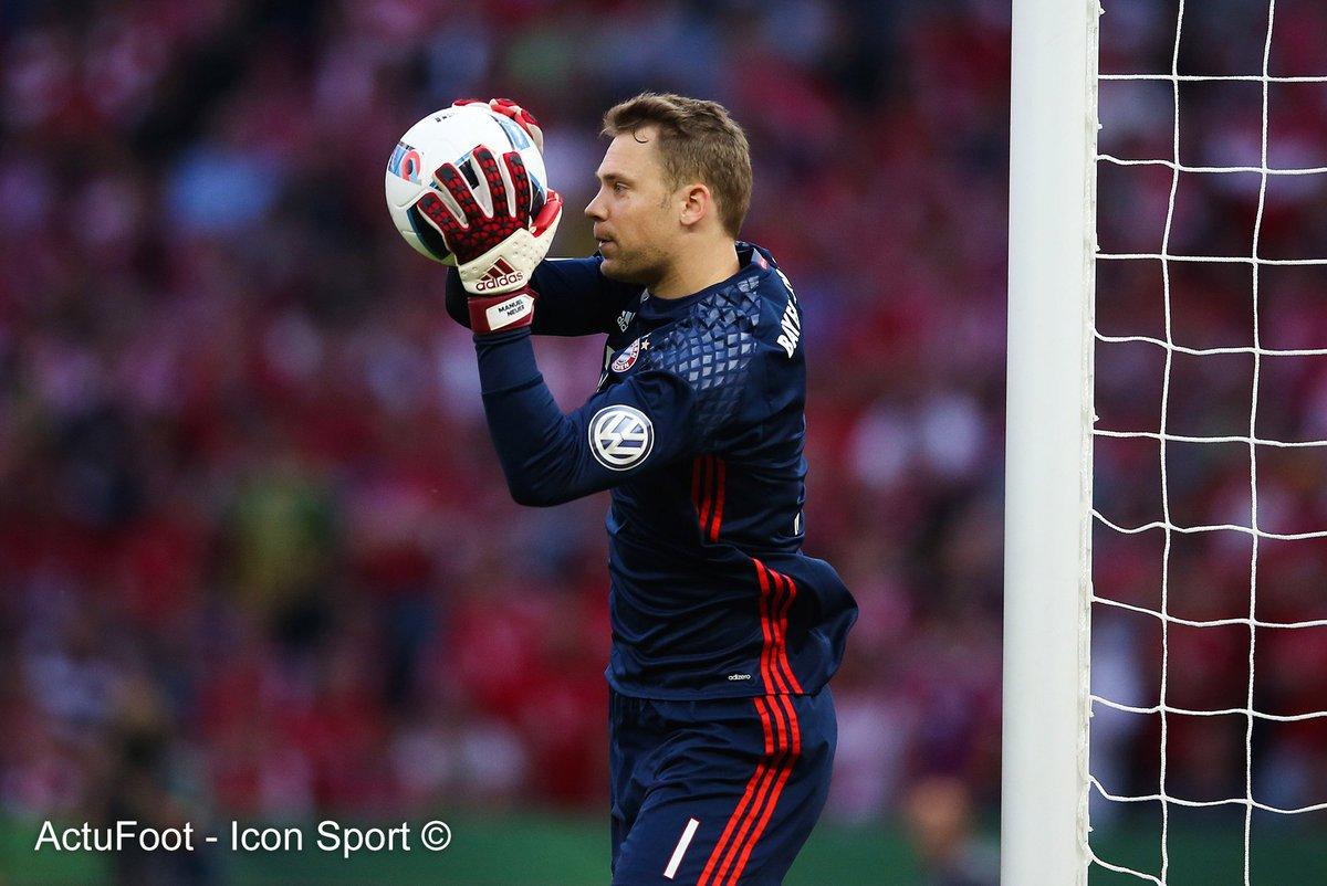 OFFICIEL ! Blessé depuis septembre, Manuel Neuer est de retour dans le groupe du Bayern pour la finale de la Coupe d'Allemagne demain !
