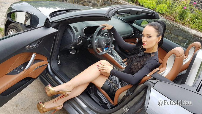 Let's drive off in to the weekend 👑  #HappyFriday #TGIF #FridayFeeIing   #leather #heelsfetish #mistress