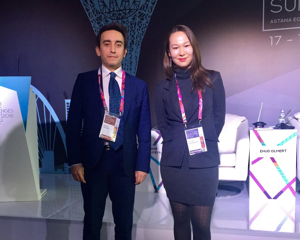 Met @MacaesBruno at the #AstanaEconomicForum today before the panel on Future of the Multipolar World: New Pathways for Dialogue? @Forum_Astana #AEF2018 #GSSummit #GlobalChallengesSummit<br>http://pic.twitter.com/Z2YxKeyl5X