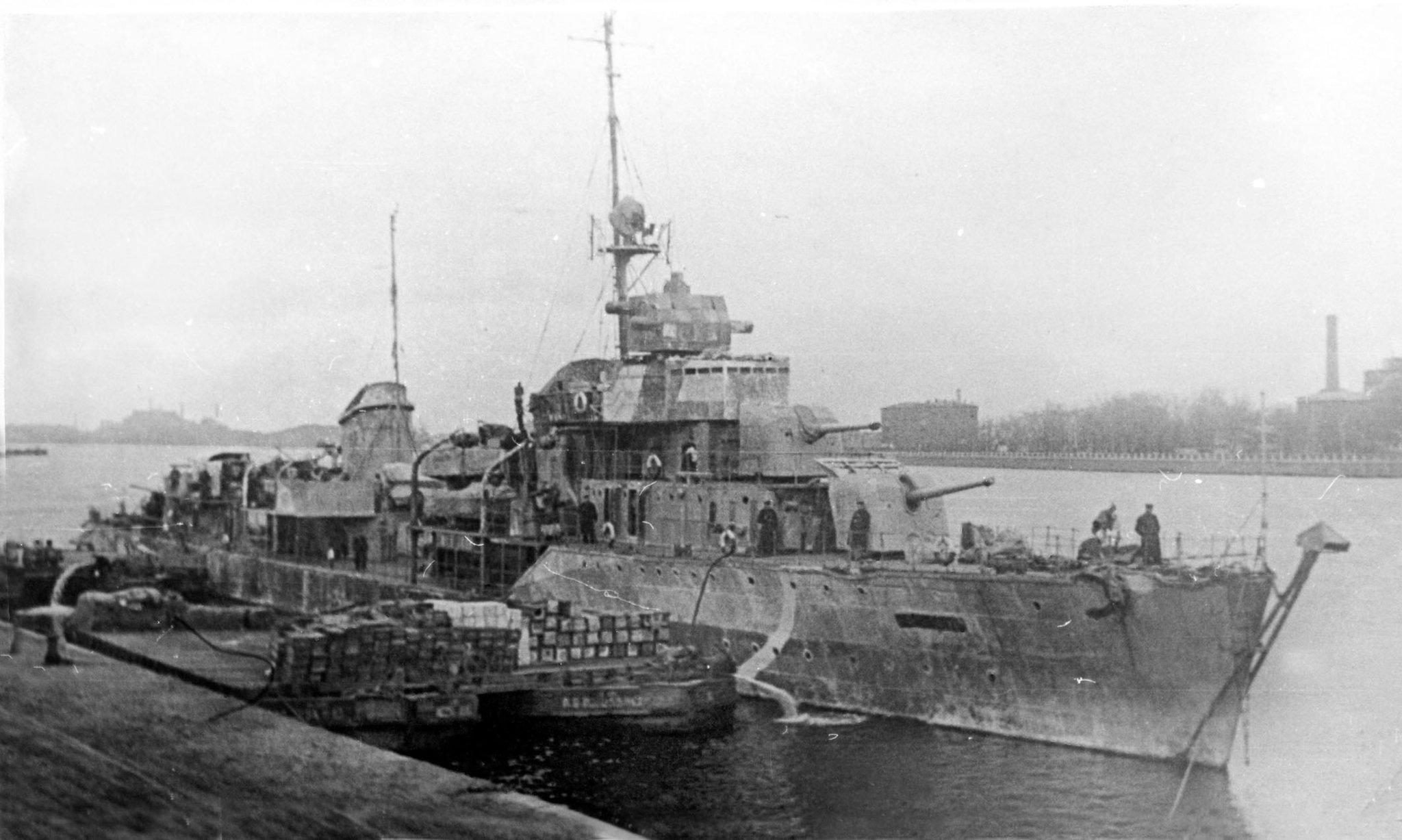 фото советских боевых кораблей времен вов гласит том, что