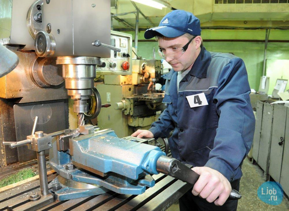 фото токаря в работе методическом кабинете