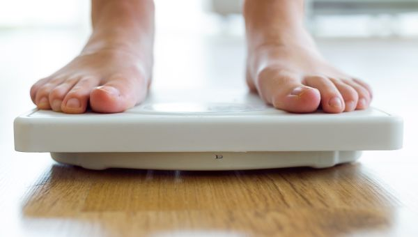 3 sneaky, proven ways to lose weight: https://t.co/vajkaUF86A #FitFriday