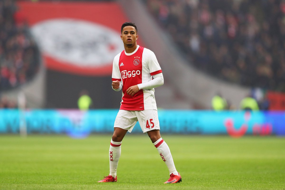 Justin Kluivert has announced that he will not be signing a new contract with Ajax after they reportedly tried to secretly sell him to TottenhamHotspur. #THFC
