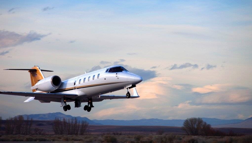 """Traveling overseas for business? Accustomed to convenience, #bizav users need to plan ahead to avoid surprises. @GamaAviation&#39;s Steve Vedeskas presents Fifteen Tips for Effective International Travel in """"Global Reach.""""  https://www. bizavadvisor.com/global-reach/  &nbsp;  <br>http://pic.twitter.com/hlQ5Ab3fLz"""