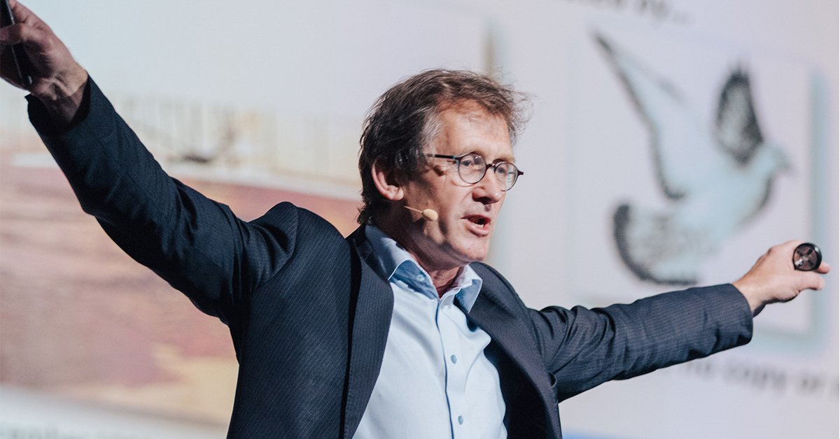 test Twitter Media - Happy birthday #NobelLaureate Ben Feringa! Prof. Feringa participated in #LINO17 after co-receiving the @NobelPrize in #chemistry the year before. He shared some personal reflections with us: https://t.co/jALw0yIZXk  It was our pleasure to have him here! https://t.co/EcuszRAMaF