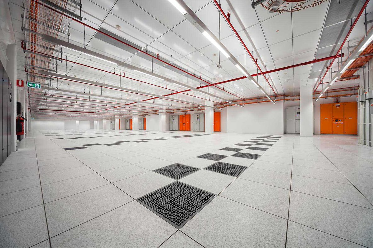 Why choose Tate Grid? Our innovative, easily customized, and cost effective structural ceiling solution can be the answer to your data center ceiling needs.