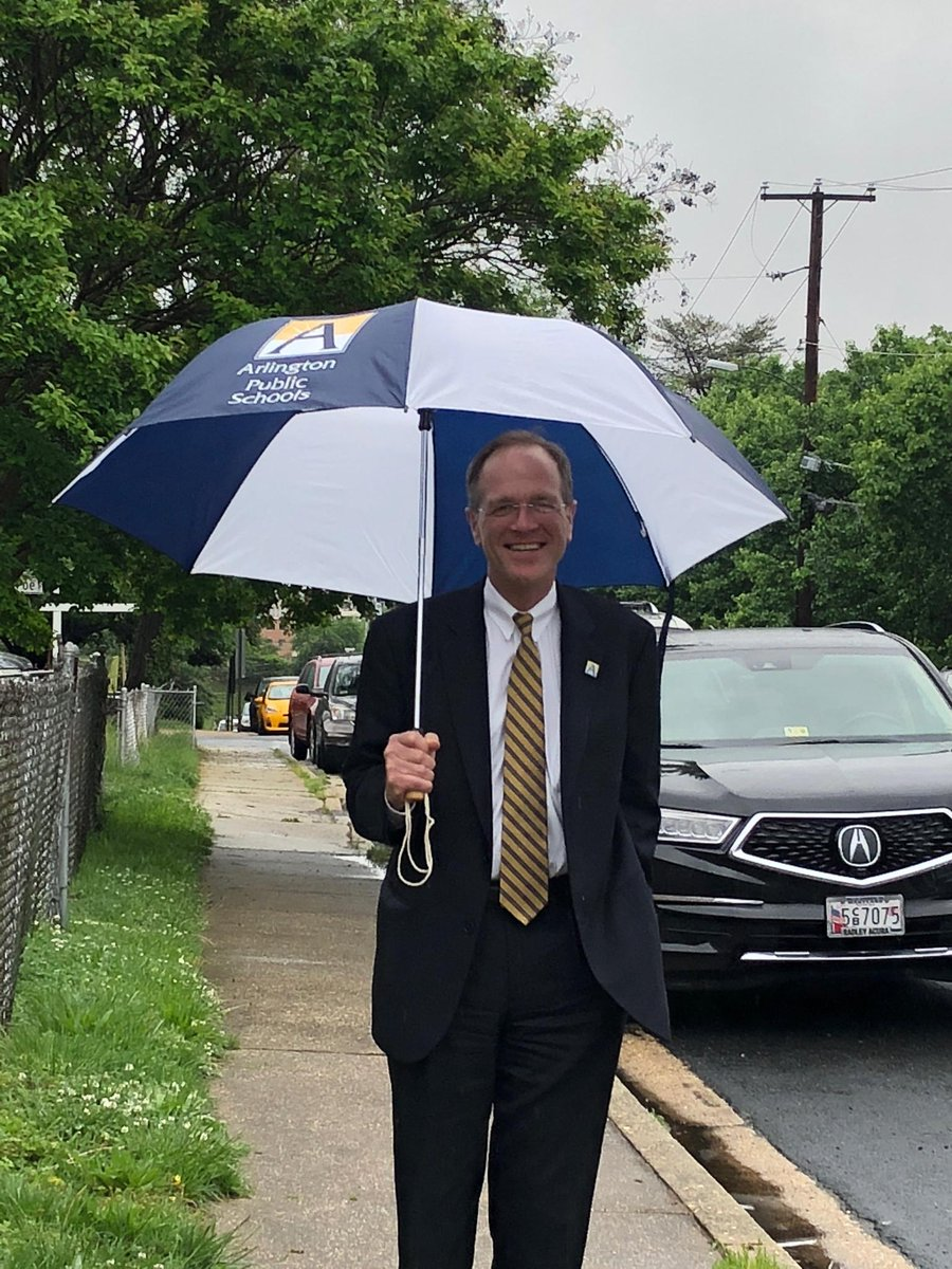 Perfect day for Dr. Murphy to use one of the gifts received last night by our amazing staff for their years of service to APS. <a target='_blank' href='https://t.co/H3HtXySbEv'>https://t.co/H3HtXySbEv</a>