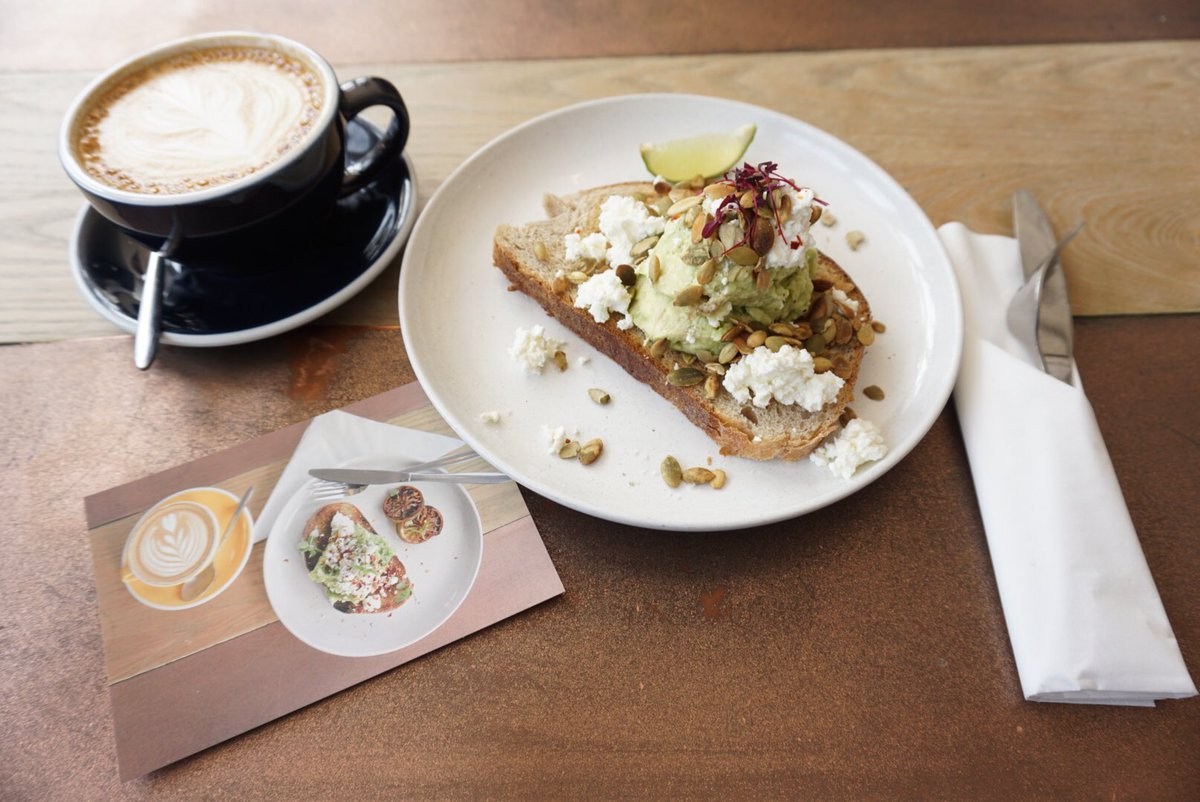 Perfect for breakfast or lunch 🍴 🥑 @CairngormCoffee  #westend #takeacloserlook #hiddengems #edinburgh #coffeeshop #avocado #avocadotoast #cafelatte