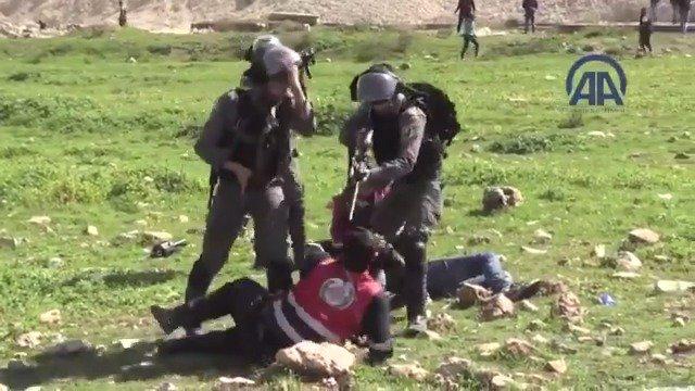 Израильские военные не дают врачам оказать помощь раненым палестинцам