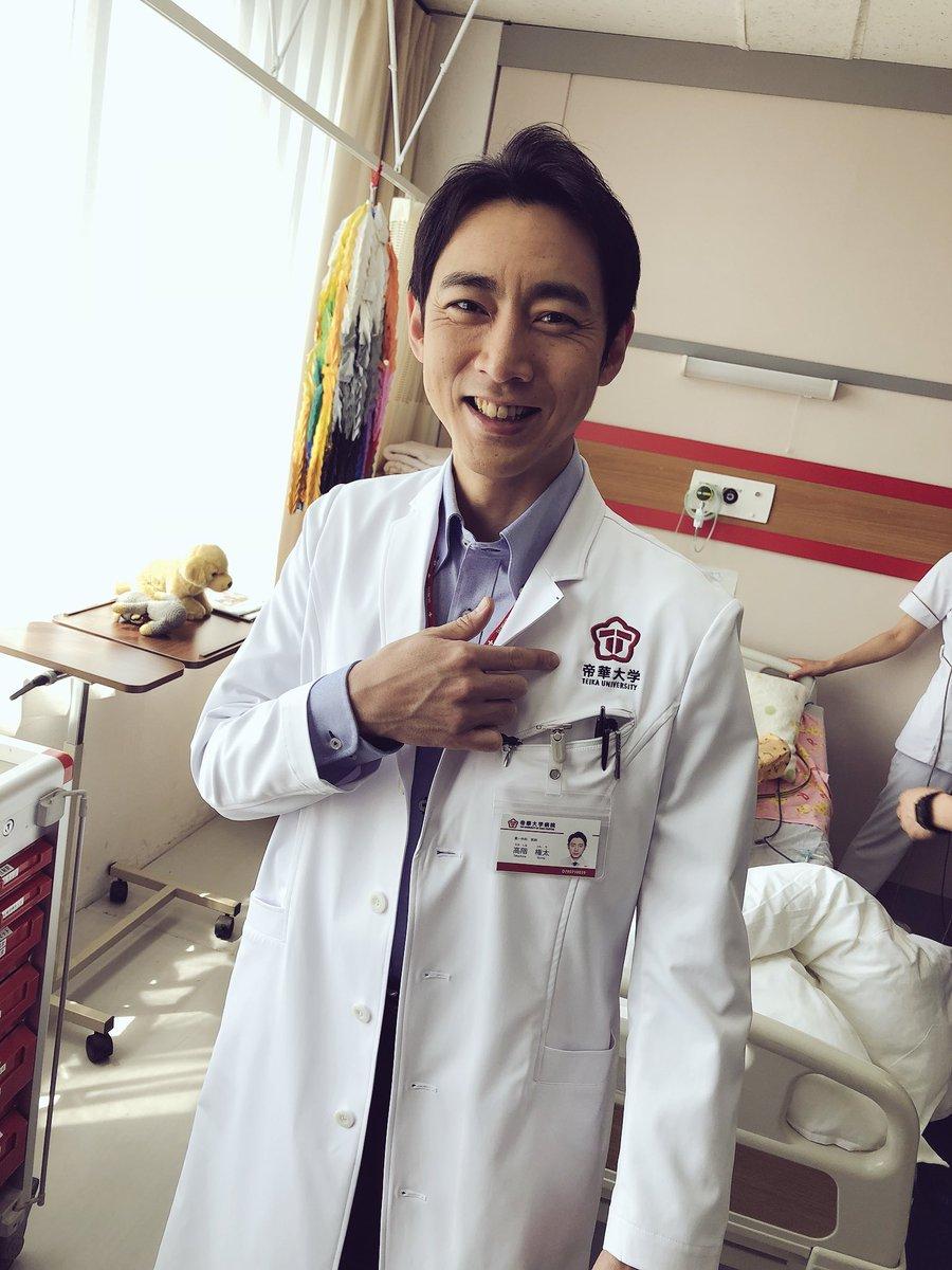 病室にいる小泉孝太郎