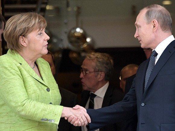 Меркель заявила про зацікавленість Німеччини в гарних відносинах з РФ і пообіцяла запитати Порошенка про арешт Вишинського - Цензор.НЕТ 133