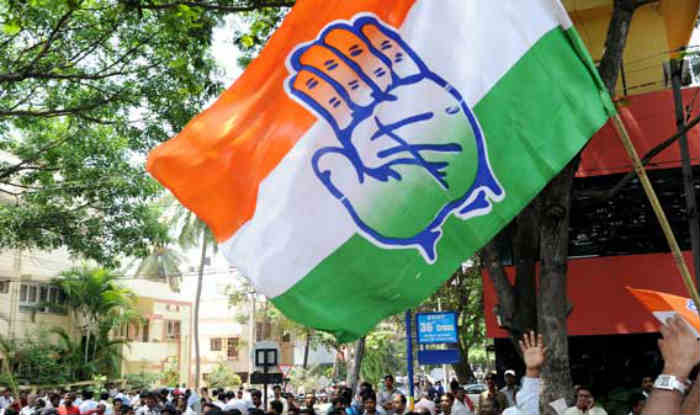The Congress seeks the adoption of the Karnataka example in Goa. A group of MLAs meet the Governor & stake claim as the single-largest party. RJD's Tejashwi Yadav also meets Bihar Governor and stakes claim as the largest party. Details at 9 pm on India Biz Hour | @ShereenBhan