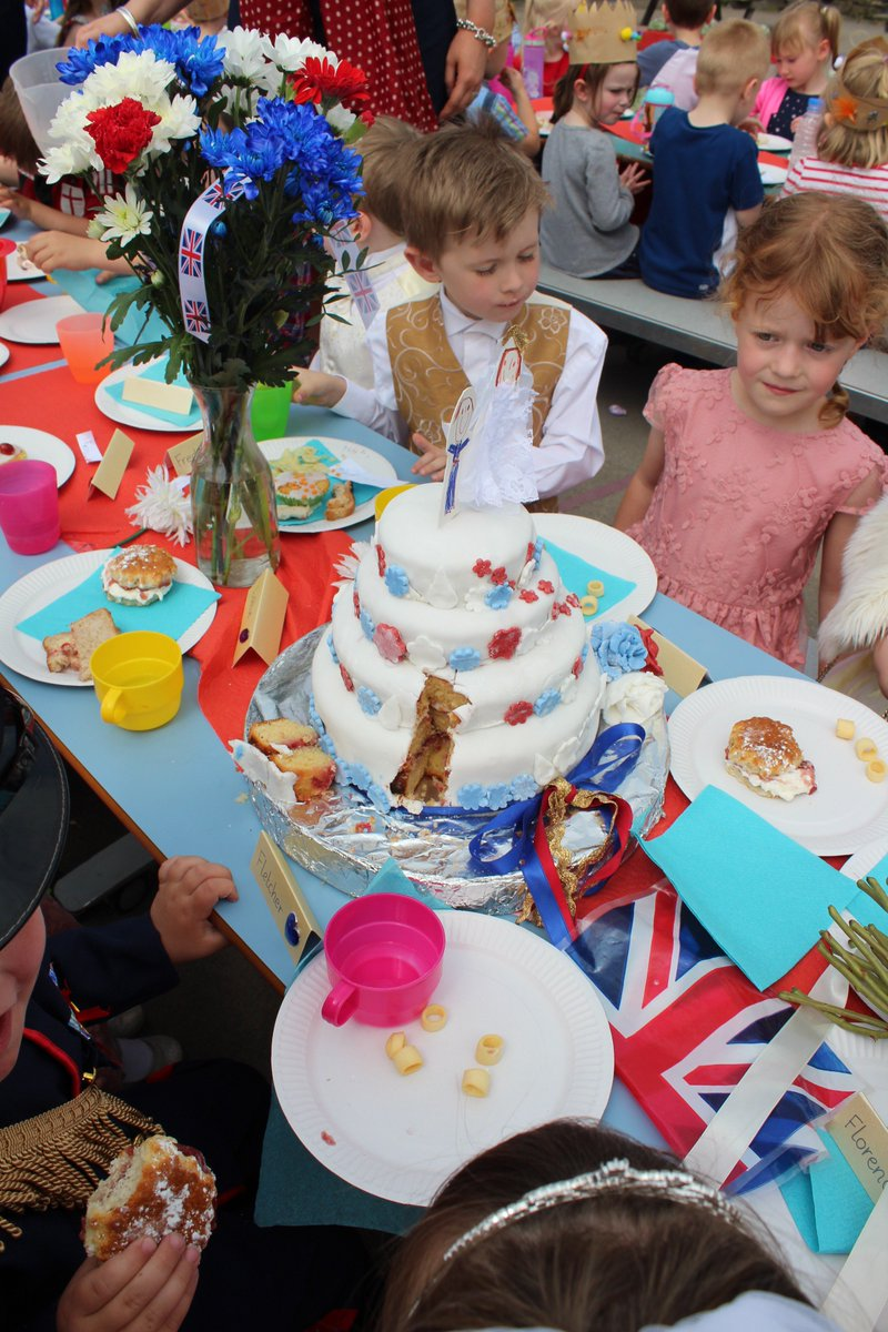 Our Royal Wedding garden party was an amazing success! #RoyalWedding #HarryandMeghan @KensingtonRoyal @RoyalFamily @ClarenceHouse