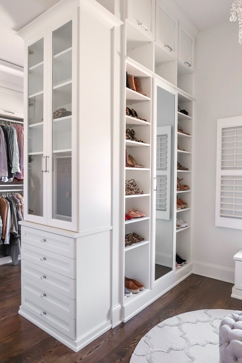 This Clever Custom Design Takes Advantage Of The E S High Ceilings Utilizing Every Square Foot For Wardrobe And Shoe Storage Closet Cmcoving