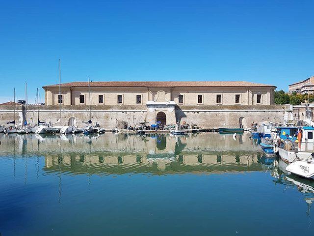 Working at new #ArtistResidency #MoleVanvitelliana #Ancona #curating #ContemporaryArt https://t.co/Tv1tVPdwWJ