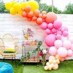 "502 Likes, 4 Comments - Decor&Festa • Mari Mangione (@decorefesta) on Instagram: ""Bom dia!! Com cores e decoração linda pra inspirar ??? via @kailochic . . #repost The longest and…"" This fantastic party idea was featured today on https://t.co/2n0L40LUCS! #partyideas #party…"