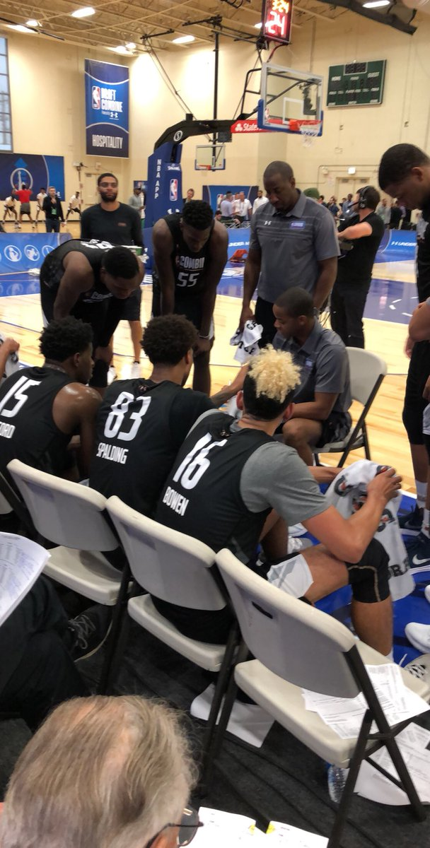 Halftime at the #NBACombine: Team 2 leads Team 3, 47-43.  Kris Wilkes: 10 PTS  📺: ESPN 2