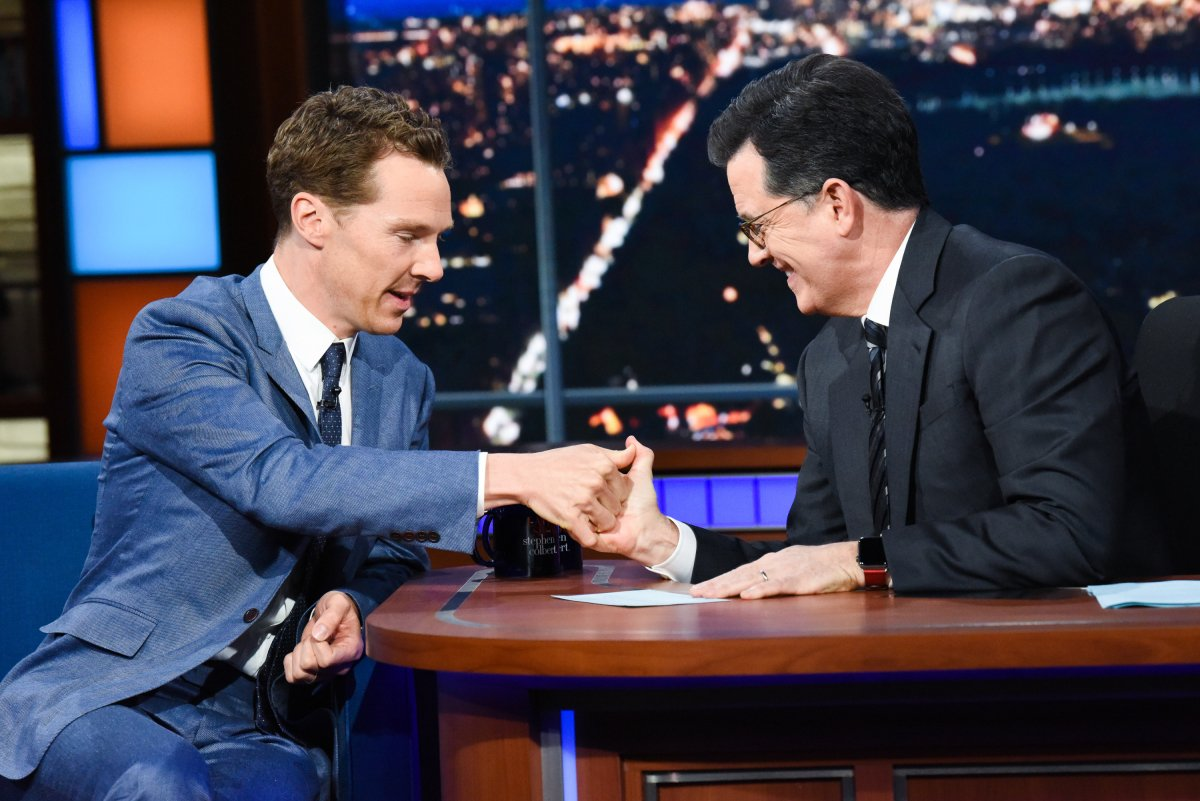 First Look: Benedict Cumberbatch appears on The Late Show With Stephen Colbert https://t.co/ALsS8ChbXg https://t.co/qdDfGFCCPA