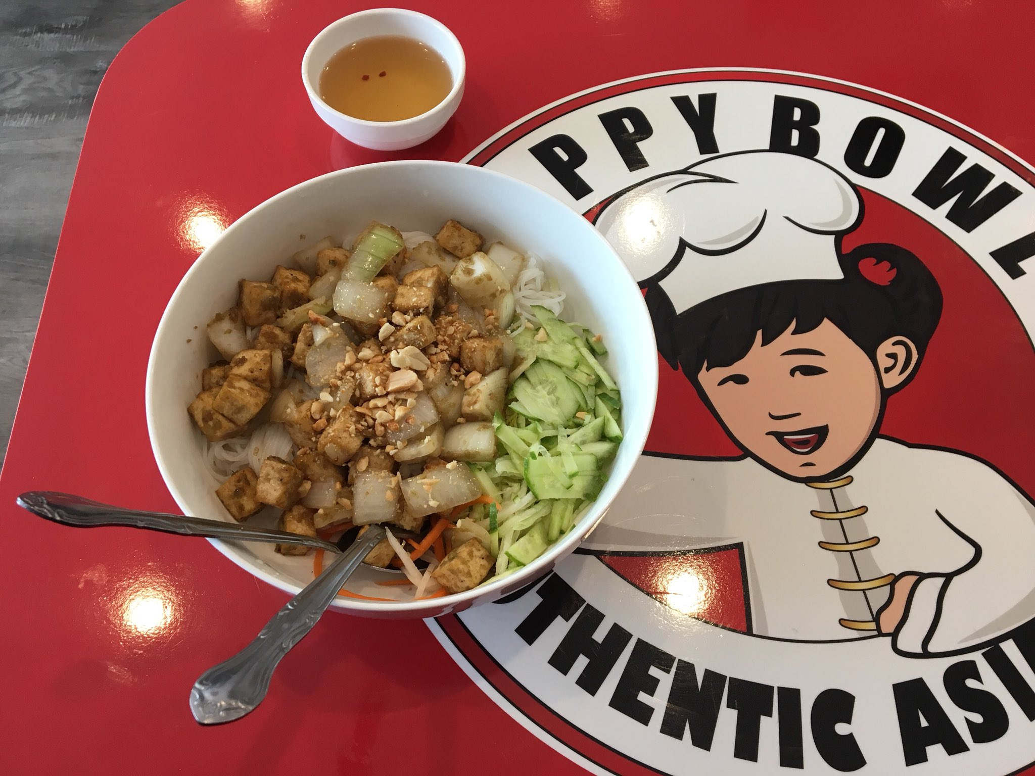 Lisa Mckinnon On Twitter And They Re Back Happy Bowl In Camarillo Has Reopened With New Owners New Look Choices Include Quick Steam Table Service Or A La Carte Menu Of Bun Pho Lo