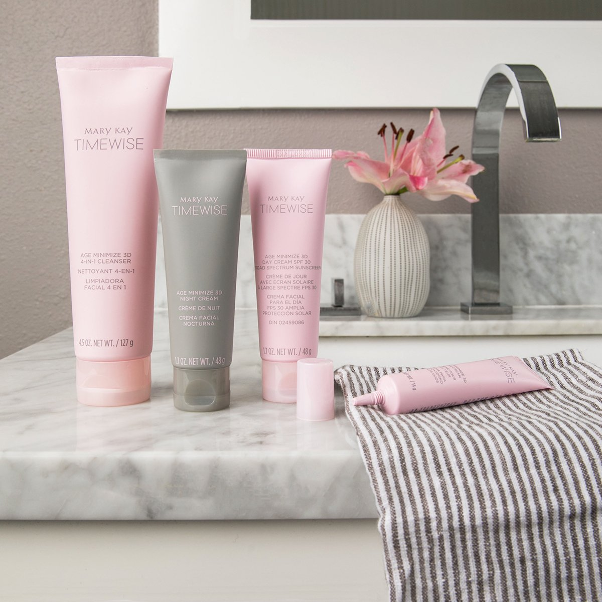 Good night, sleep right!  The TimeWise® Miracle Set 3D™ features multiple age-defying benefits in one product. #TimeWise3D #MaryKay  http:// bit.ly/2k7crug  &nbsp;  <br>http://pic.twitter.com/wdH4pEjalW