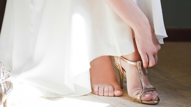 c30c10a1f21 14 Most Comfortable Wedding Shoes to Buy Right Now http   bit.ly 2GognkC   Shoes  Comfortableshoes  Style  Goalstyle   Weddinghackspic.twitter.com A2Oh7BWjMn