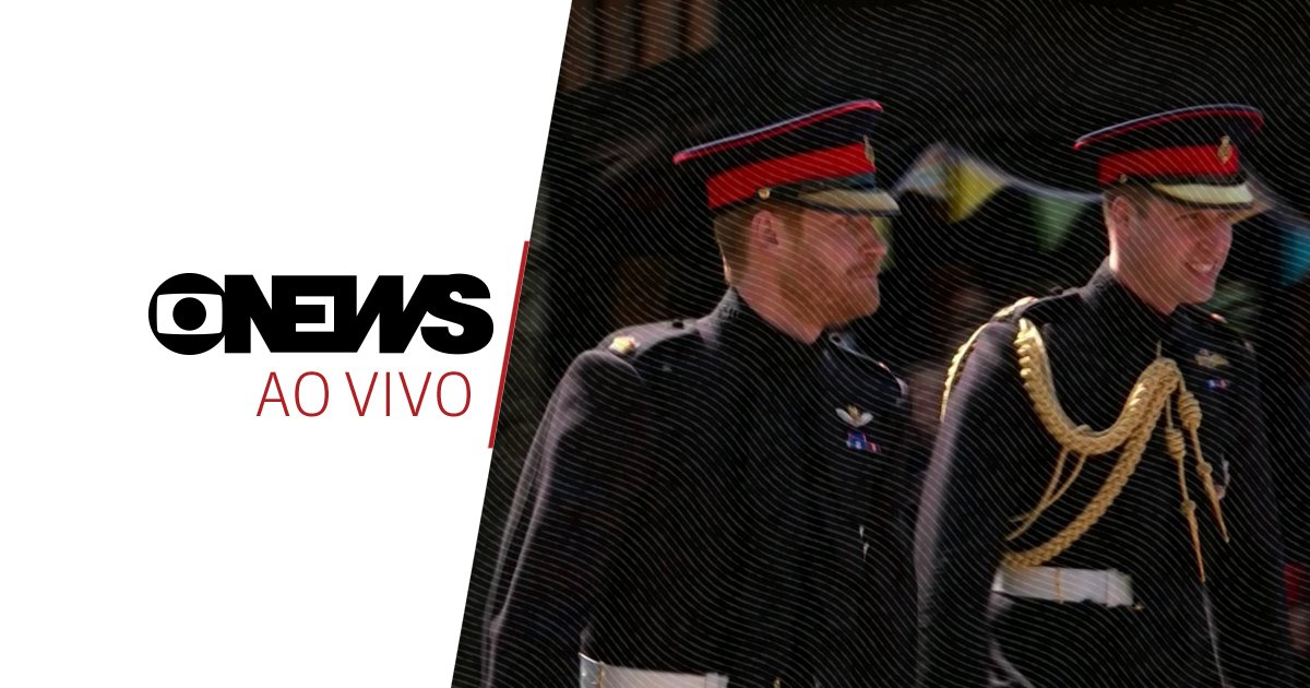 Príncipe Harry chega a Windsor acompanhado do irmão, o príncipe William. Acompanhe ao vivo o #CasamentoReal na #GloboNews: https://t.co/g2ACkMhF3y