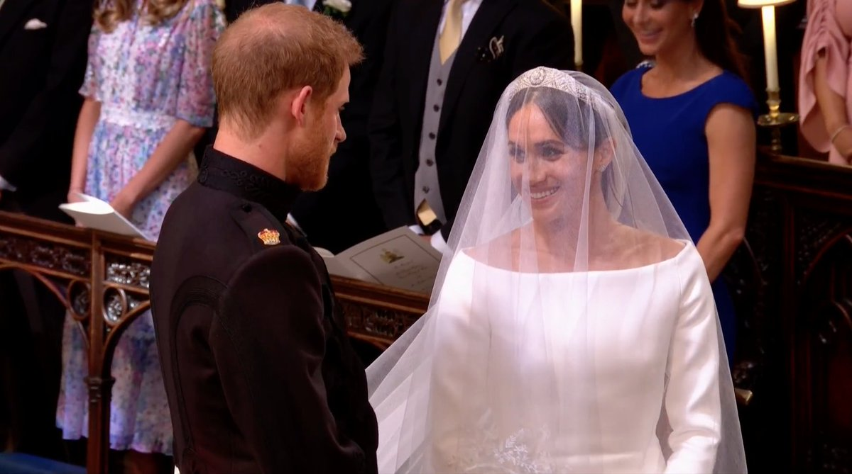 Wedding of Prince Harry and Meghan Markle DdjhmcGWsAEpR5y