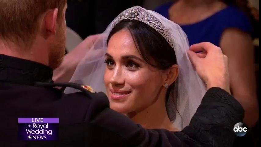 A literal beauty. WE LOVE YOU MEGHAN! #RoyalWedding https://t.co/oyLYEha5KR https://t.co/6BVCFDTMjt