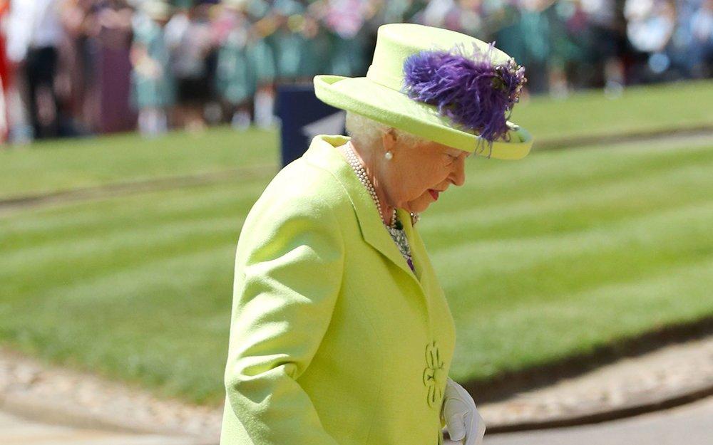 The Queen has arrived https://t.co/Oqw4xZ724f #RoyalWedding https://t.co/7YhEKEStib