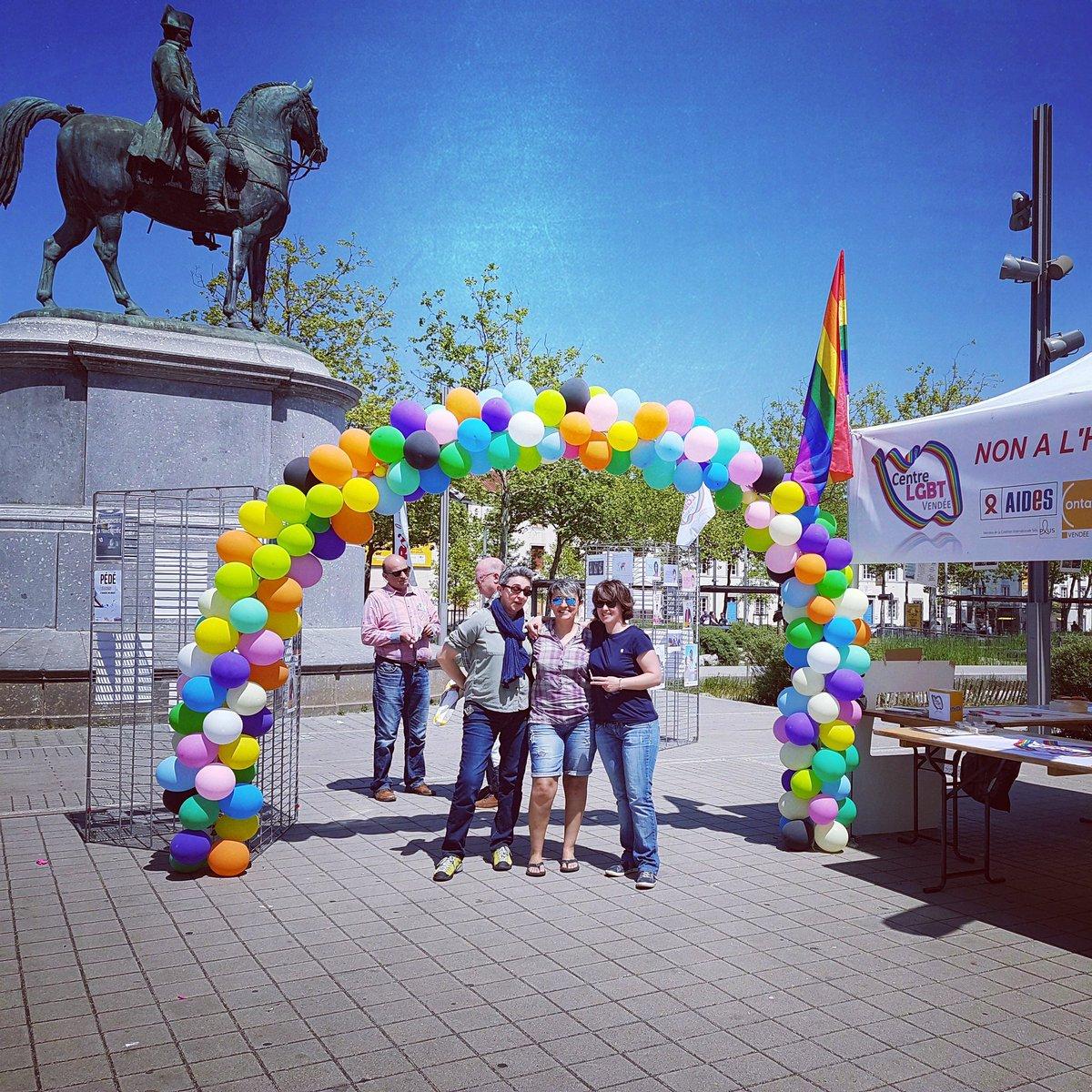 rencontre rencontre gay en ukraine vendée  Ukraine vendée fait de son expérience sa signification du gay