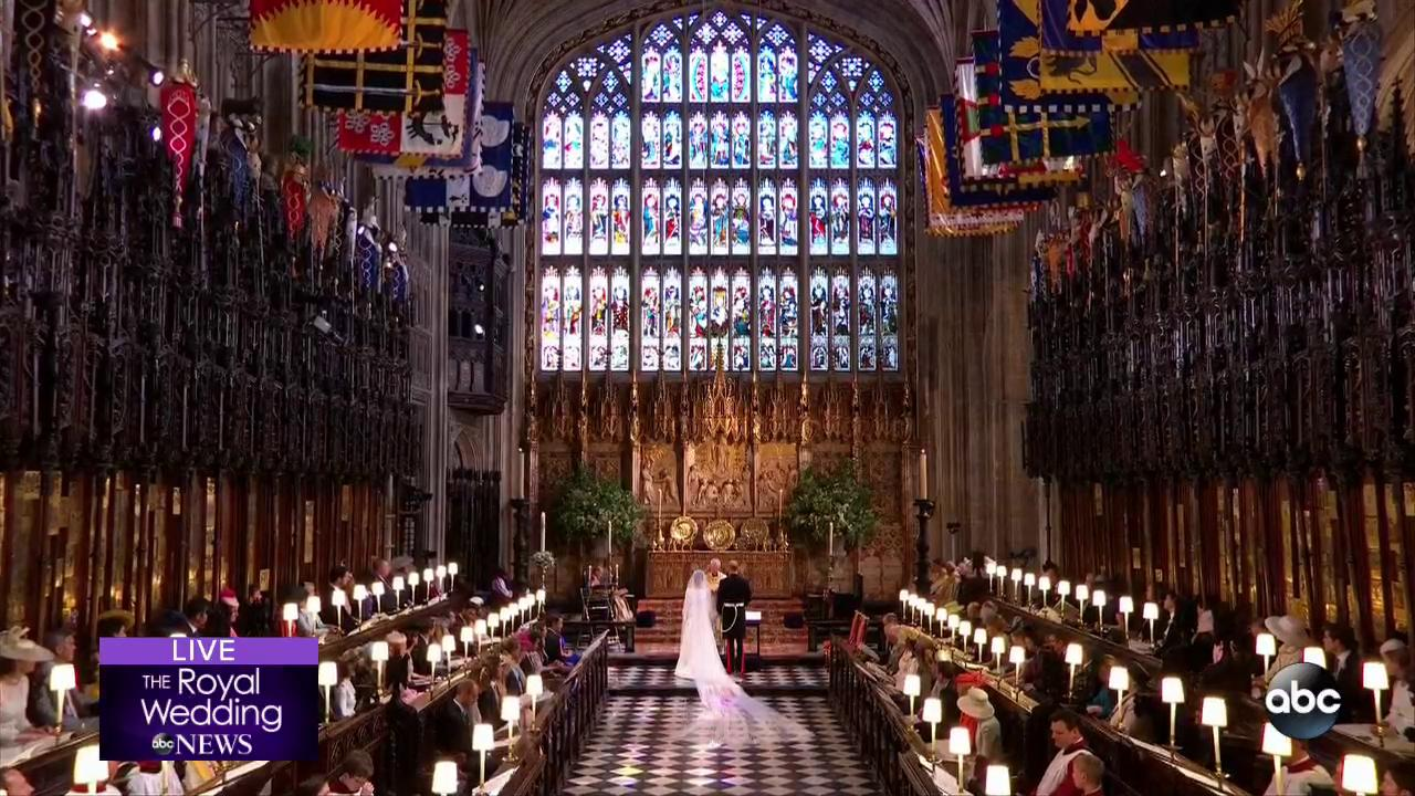 'I therefore proclaim that they are husband and wife.' ❤️������  #RoyalWedding https://t.co/oyLYEha5KR https://t.co/kIwjiHs2xZ