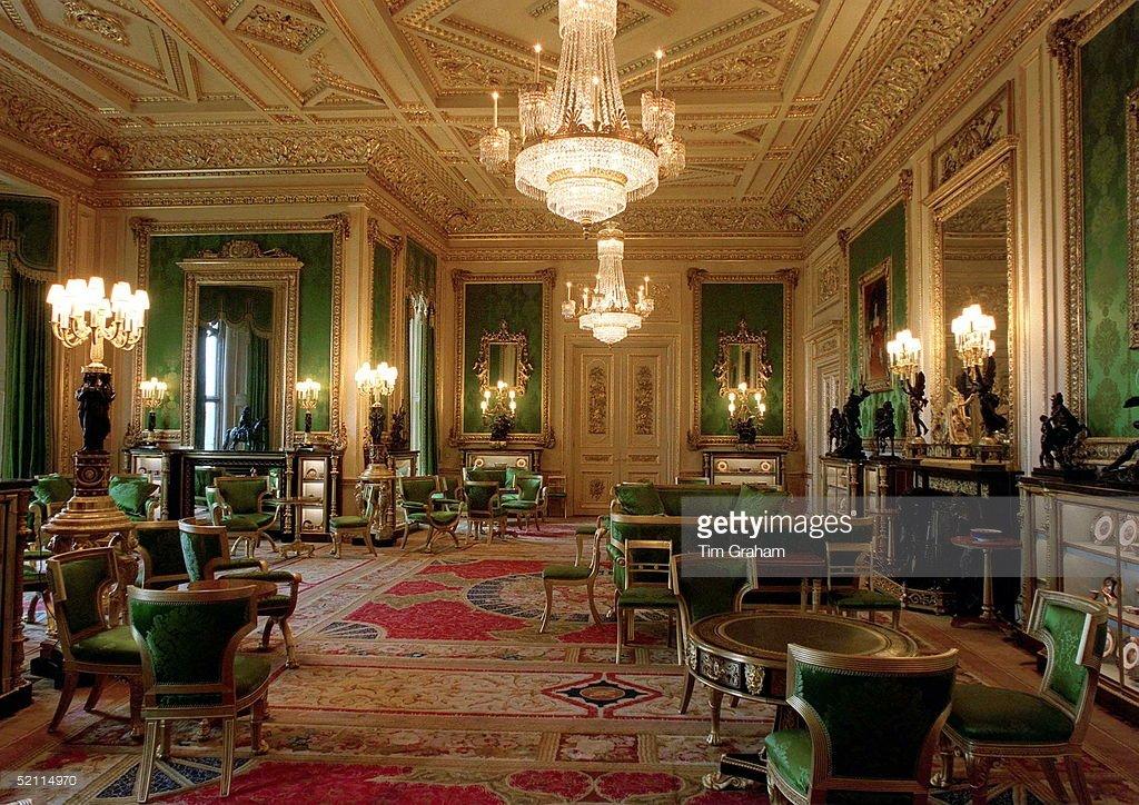 inside buckingham palace living quarters - 900×636