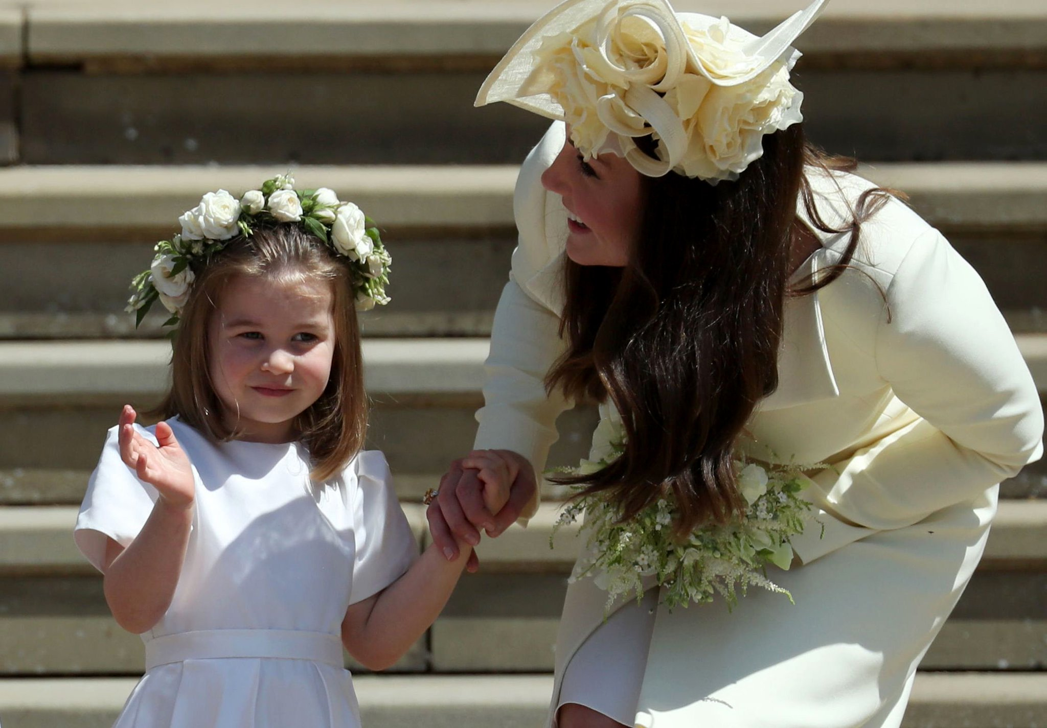 PRINCE GEORGE. PRINCESS CHARLOTTE. CUTENESS OVERLOAD. #RoyalWedding   https://t.co/NHAURckPc4 https://t.co/N1T6fJhDtu