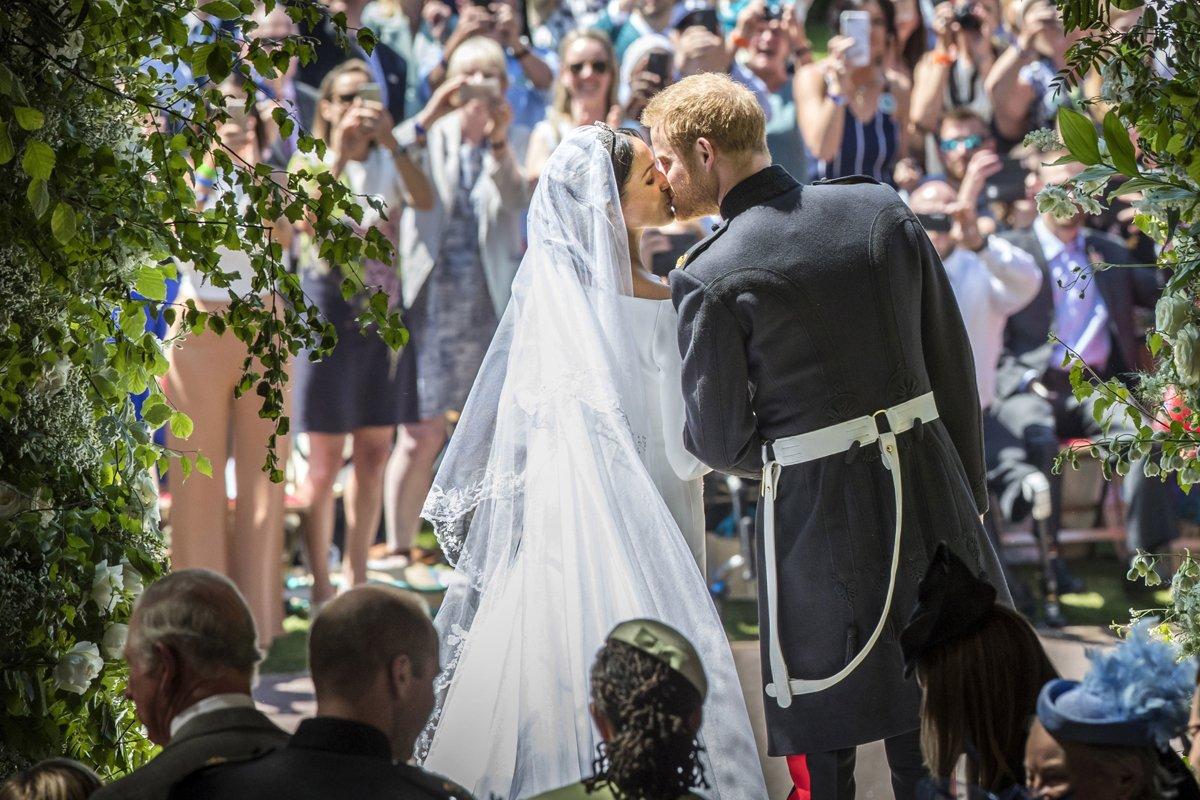 Another very important photo https://t.co/qbq1G2p3ej #RoyalWedding https://t.co/4yexPaFo57