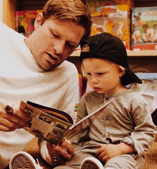 We want to know: What is your favorite memory of #ReadingWithDad? Did he read to you every night before bed? Was he a pro at making characters come to life with his voices? Use #ReadingWithDad to share your favorite memory in the comments below! (📸: instagram.com/lara.lee.wilso…)