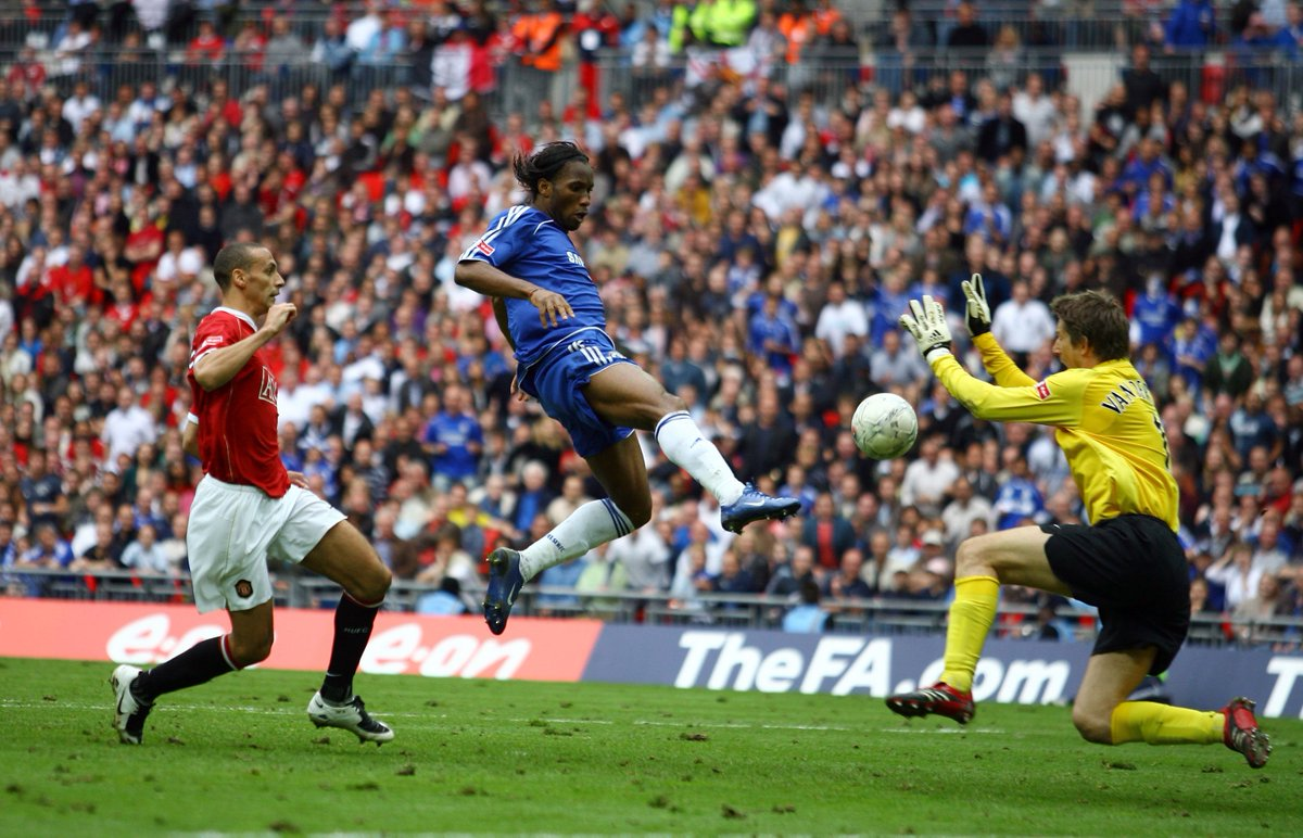 3 - This is the third time Chelsea and Man Utd have met in the FA Cup final, making it the joint-most played final in the history of the competition (Arsenal vs Liverpool, Arsenal vs Newcastle and Aston Villa vs West Brom also three). Familiar. #FACupFinal