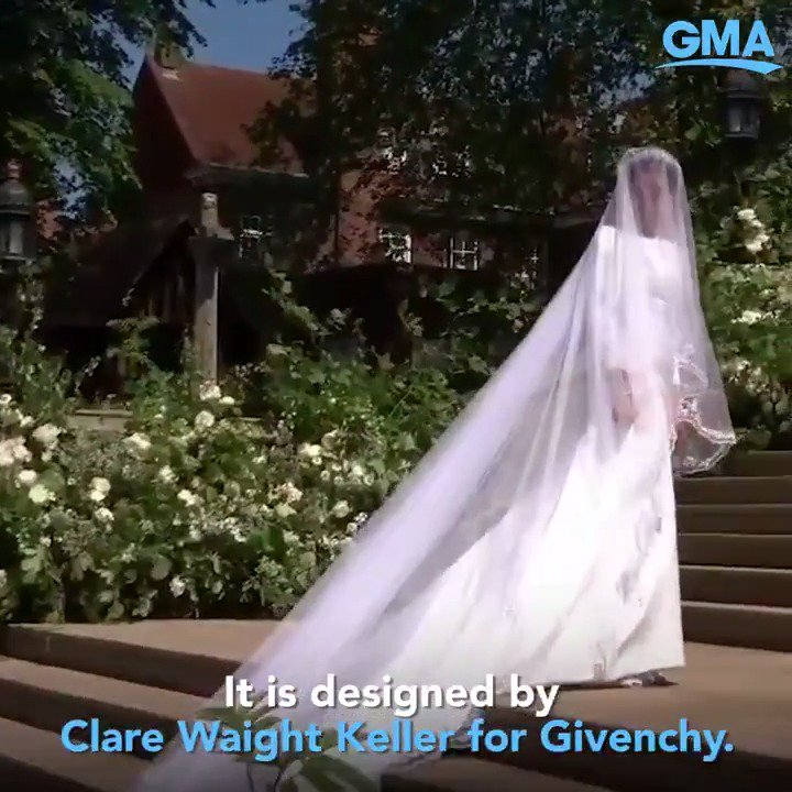 Meghan Markle wore a gown made out of triple silk organza that was designed by Clare Waight Keller - the first female artistic director to head the house of Givenchy! gma.abc/2Lf8ZKL #RoyalWedding