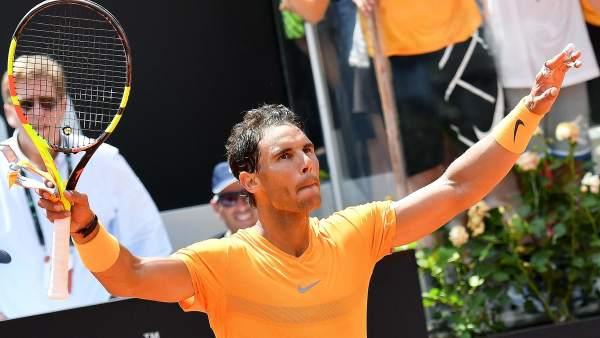 Rafa Nadal vence a Djokovic en dos sets y se mete en la final de Roma ver.20m.es/e3k6i1