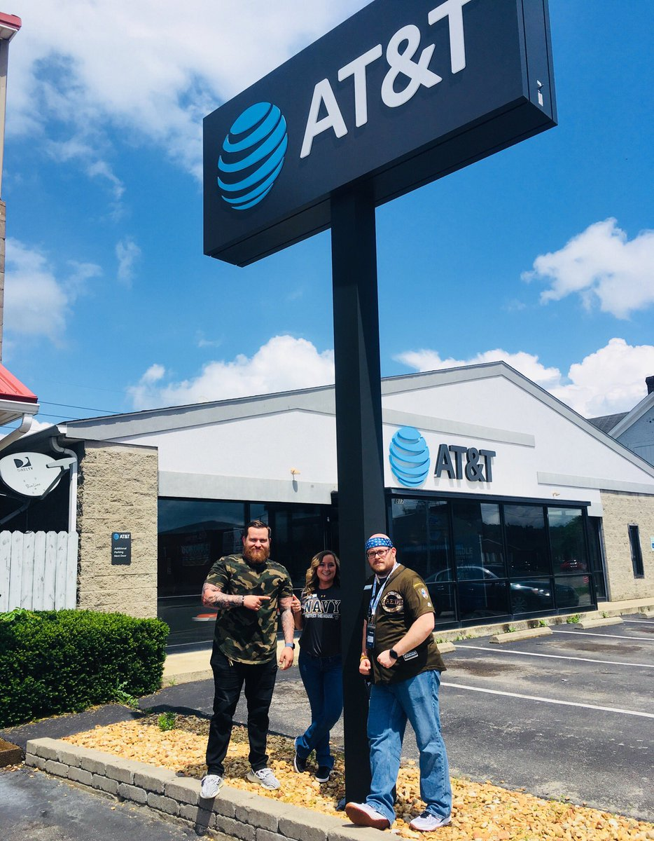 @A_Town817 is representing our military today for Armed Forces Day! Thank you all for your service! #MilitaryAppreciationMonth #dawgpound #championsleague @DaleB1 @404girl