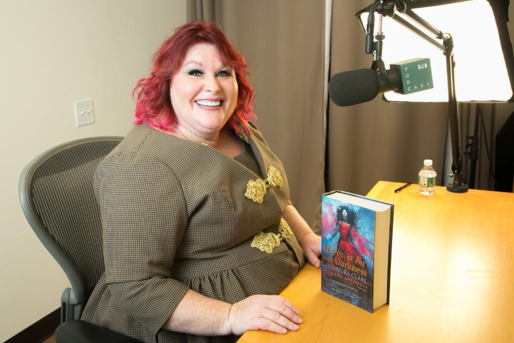ICYMI: We launched the #BNYAPodcast! Listen to the first episode, hosted by @mimi_albert, longtime @BNTeens editor & bestselling YA author, in conversation with bestselling teen author @cassieclare. Available on iTunes, Stitcher, or spr.ly/6010D5S3Q