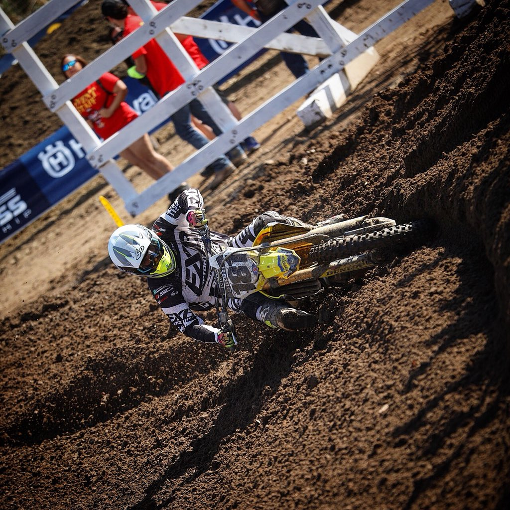 Carving it up in #Hangtown @dpipes181 @suzukicycles @FXRRacing @AMPTires @NutUpIndustries || #RmArmy #Thisismoto #moto #motocross