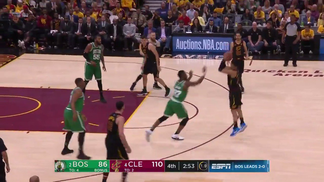 1⃣7⃣ THREES for Cleveland! ������  #WhateverItTakes   ��: @ESPNNBA https://t.co/KHxHt1034C